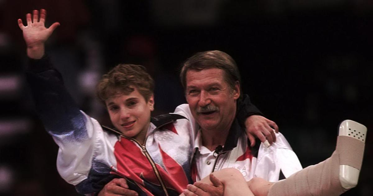 Kerri Strug carried by coach, broken ankle 1996