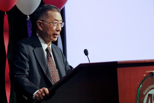 Former Cal Poly Pomona President helps students frame their identity