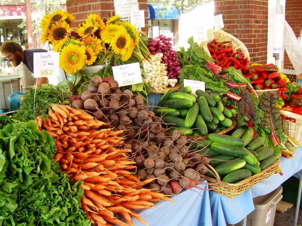 Local Farmers Markets To Freshen Up Your Fridge