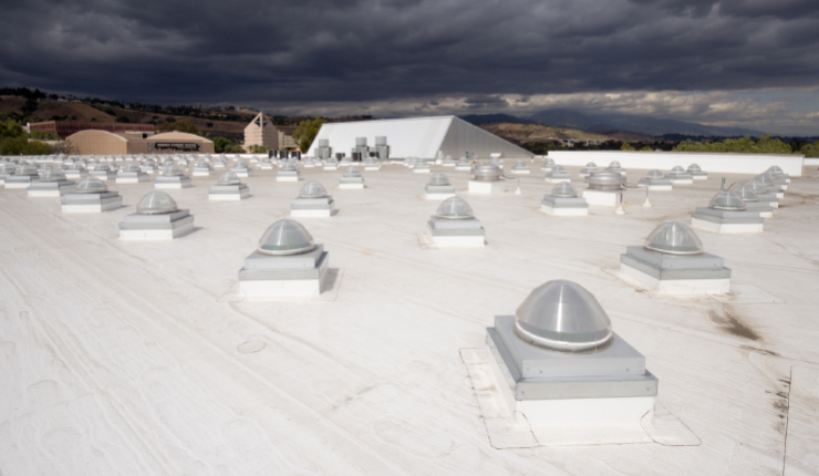 solar plates on the roof